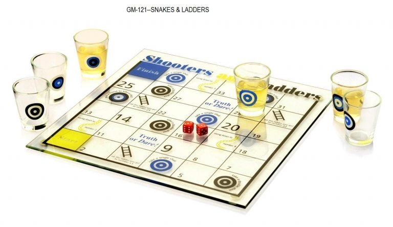 GM-121--SNAKES AND LADDERS